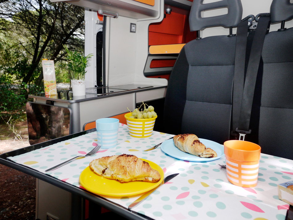 FUNCAMPERS - Campervan Orange County. Breakfast time!