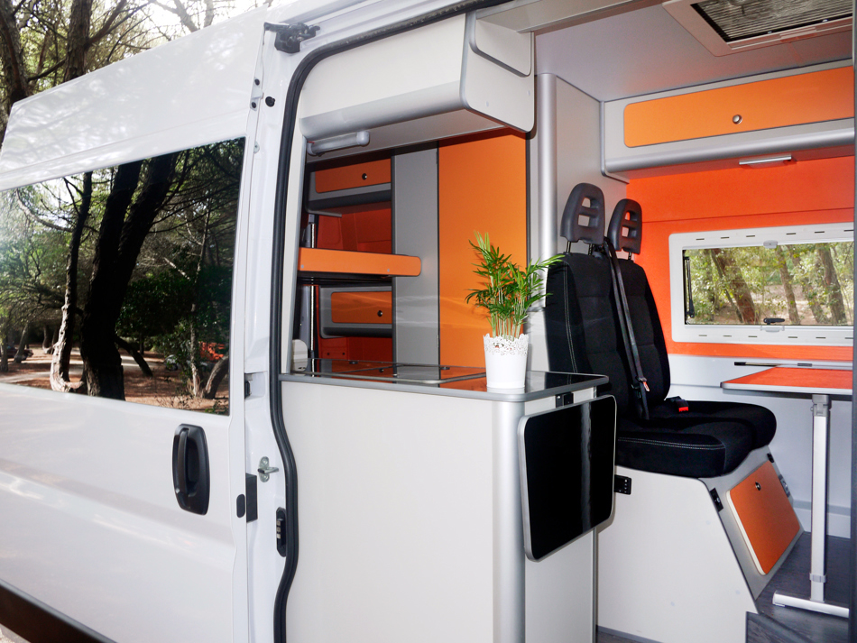 FUNCAMPERS - Campervan Orange County.Come in please!